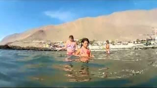 niñas en playa blanca.mp4