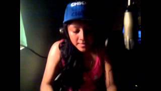 Chity Cruz Tirandole A Fer lob Desde Family Studio