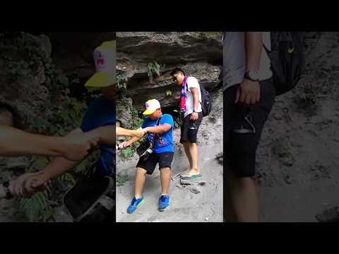 花蓮縣中正國小403翡翠谷健行~下攔沙壩瀑布1 - YouTube