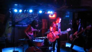 HELP ME DEVIL-  en Cartagena Coyote rock bar- Rocket 88 rnrco