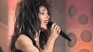 Carla Ribeiro como Tina Turner na Final do Chuva de Estrelas 96