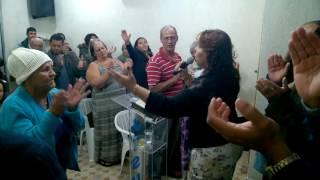 cantora Valeria santos (continue dando gloria louvor em teresopolis)