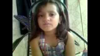 Menina de 6 anos canta James Blunt - you're beautiful