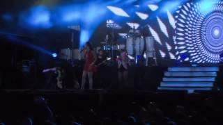 Adriana Lua - Só quero teu beijo | Live | Official Video