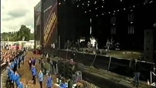 "Minus ""Romantic Exorcism"" Live At Reading Festival 2004"