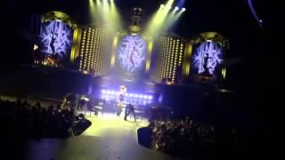 Do somethin live best audio Britney Spears piece of me tour