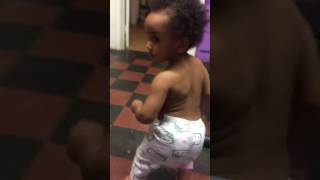 Bad and Boujee 1 year old Baby dancing to Migos