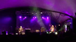 """The Kills - """"Sour Cherry"""" LIVE from Stubb's in AUSTIN TEXAS"""