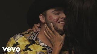 Gerardo Ortiz - Y Me Besa (Official Video)