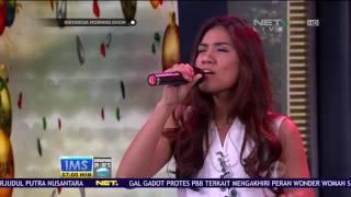 "Perform Monita Tahalea ""Somewhere In My Memory"""