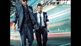 dyland y lenny ft eli y arcangel - caliente - Cd My World