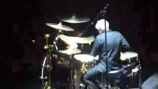 Queen, Roger Taylor drum solo battle The Invisible Man @ Ziggo Dome Amsterdam 2015
