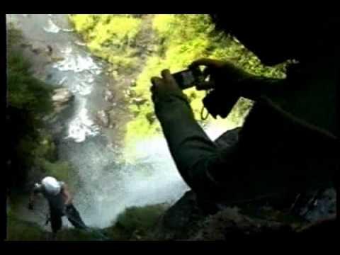 Canyoning en la cascada de Peguche. Turismo de aventura en Otavalo.