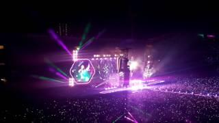 2017-06-22 - Coldplay - Bruxelles - Live - a head full of dreams - A Sky Full Of Stars