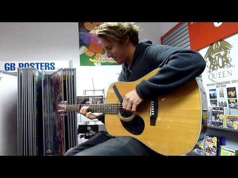 ben-howard-old-pine-acoustic-at-phoenix-sound-oddditties