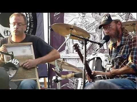 charlie-parr-aint-no-grave-gonna-hold-my-body-down-live-at-webers-deckmts-teisner1399