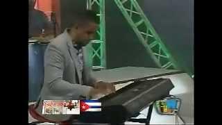 Cucurucho Valdes y su Grupo - Tumbao para Bebo (VIDEO 2014)