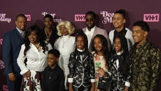 Sean Combs aka Puff Daddy and his family at VH1 3rd Annual Dear Mama : A Love Letter To Moms Red car