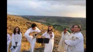 """Summer Solstice at """"Stonehenge Portuguese"""" with medieval music duo ALE&OLE"""