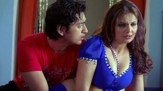 Hot Deepshikha trying to seduce young boys - Dhoom Dadakka width=