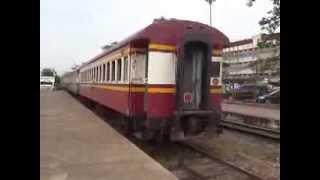 ขบวนรถไฟไปคีรีรัฐนิคมออกจากสถานีสุราษฎร์