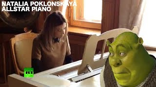 Natalia Poklonskaya plays Allstar by Smash Mouth on piano
