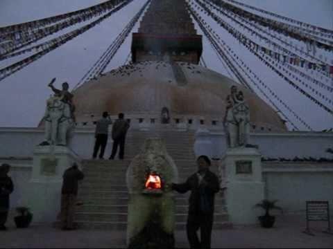 BODHNATH  BHAKTAPUR  NAGARKOT lever du Soleil NEPAL