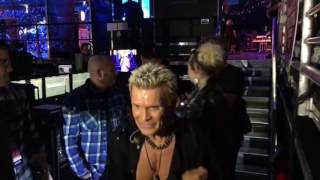 iHeartRadio 2016- Miley Cyrus & Billy Idol - Rebel Yell - Seacrest , Backstage!
