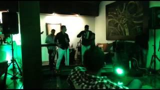 Jhonatan Luna canta Secreto