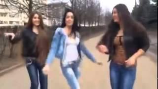 Russian girls dance / Не женюсь, я не женюсь / Ne jeniusi