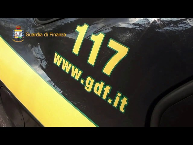 COSENZA, GDF: SEQUESTRATI 74MILA EURO NASCOSTI IN UN'AUTOMOBILE