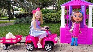 Настя и домики для кукол