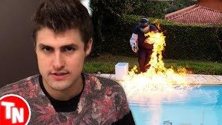 """Youtuber põe fogo na piscina e quase se queima, Rezende diz que """"O Invasor"""" não é fake"""