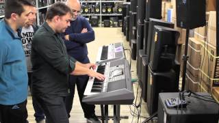 A quick demonstration on the PSR-S970