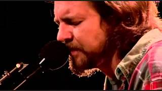 Eddie Vedder - Around the Bend- Track 04  DVD Water on the Road