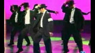 Cruz y Raya imitan a Michel Jackson