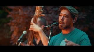 En Apartés, The Moonkeys - What we got