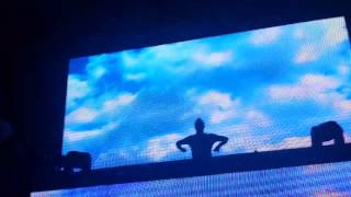 Dash Berlin Locked out of Heaven, Satisfaction