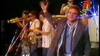 """LOS FABULOSOS CADILLACS """"YO NO ME SENTARÍA EN TU MESA"""" @ La Noche del Sábado, Canal 2, 08/04/1989"""