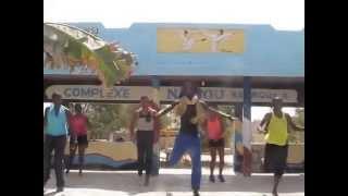 Les Gazelles,dansent, chantent chez Nabou Diop à Malika plage juillet/Aout 2014