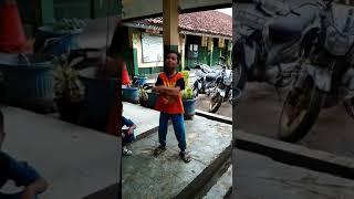 Keren Anak SD cover lagu despacito