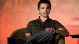 Intimate conversation with Juanes