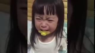 Bebê japonesa  chorando mae limpa lagrima ela FAZ com baba 👇VEJA Welington garoto q sonha ser canto