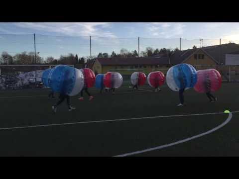 Glasskalas-spelar-bumperball i Stockholm och Göteborg