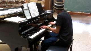 Pour It Up - Rihanna (Piano Cover) by: Jay W
