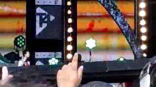 Dizzee Rascal And Calvin Harris-Dance Wiv Me-LIVE At T4 On The Beach 09