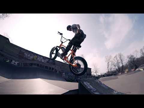 UDX Electric 20x4 BMX Bike on Berlin's Mellow Park Ramps