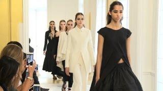 Dior vuelve a lo clásico en su colección otoño-invierno