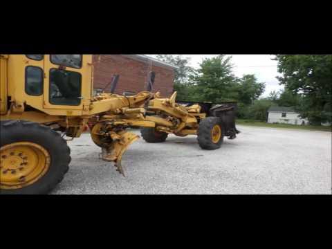 Clark Super 301 motor grader for sale | no-reserve Internet auction October 4, 2016