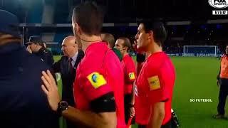 🔴 Jogadores do Corinthians vão para cima do juiz após apito final - juiz roubou ?